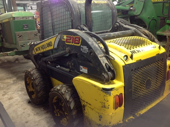 2011 New Holland L218