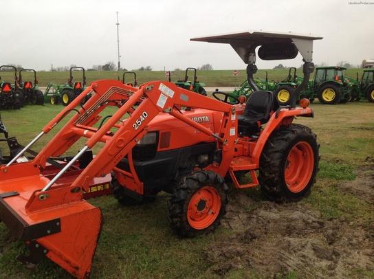 L3400 Kubota Tractor W Loader : Kubota l tractors compact hp john