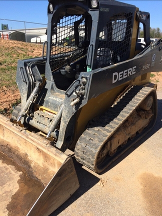 Detail photo of 2014 John Deere 319E from Construction Equipment Guide
