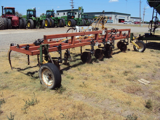 Raven 9 Shank fert applicator
