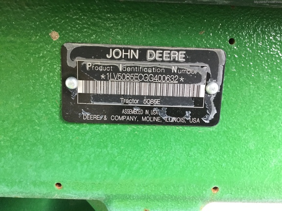 John Deere 5085E