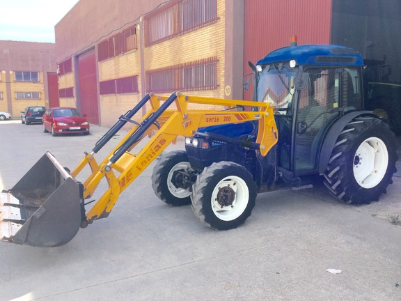 New Holland TN80F