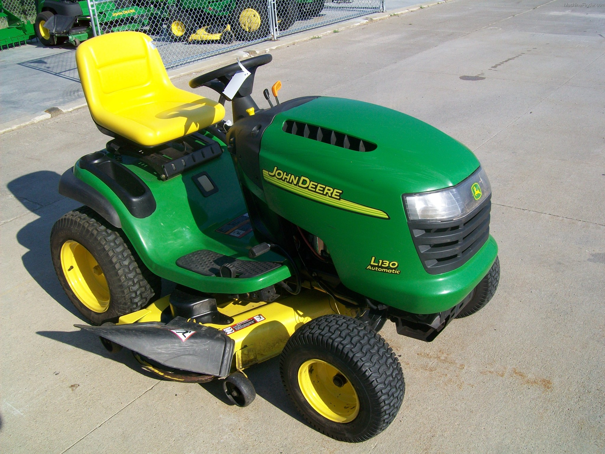 John deere l130 lawn Tractor Specs la115 riding mower Manual