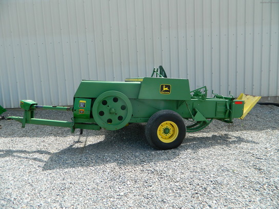 John Deere 346 Square Baler parts manual pdf