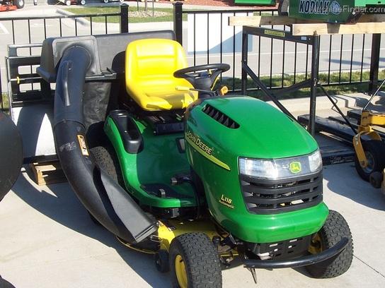 John Deere Rear Bumper : John deere l lawn tractor with quot cut rear bag