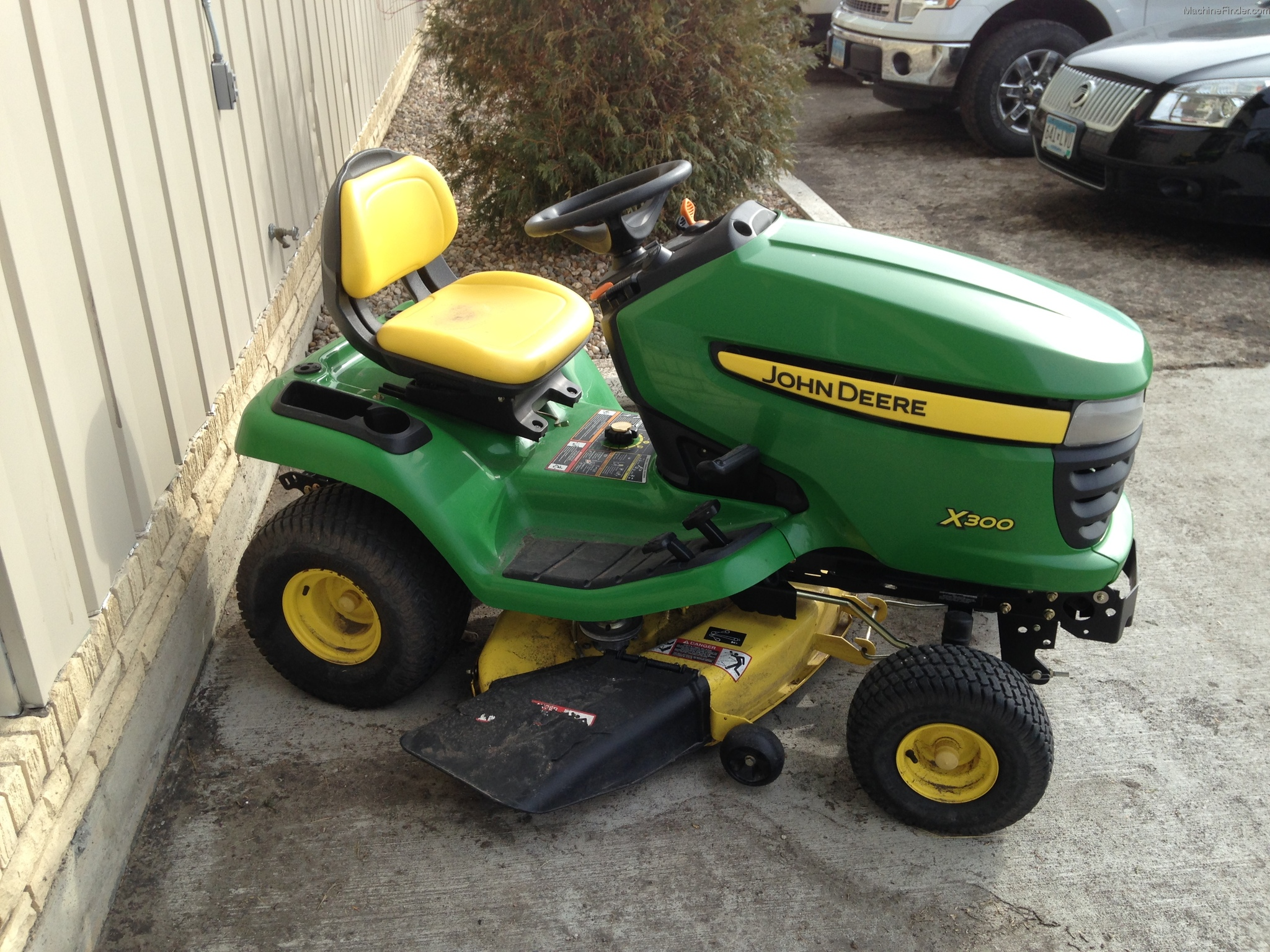 2006 john deere x300 lawn garden and commercial mowing. Black Bedroom Furniture Sets. Home Design Ideas