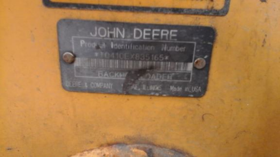 Detail photo of 1997 John Deere 410E from Construction Equipment Guide