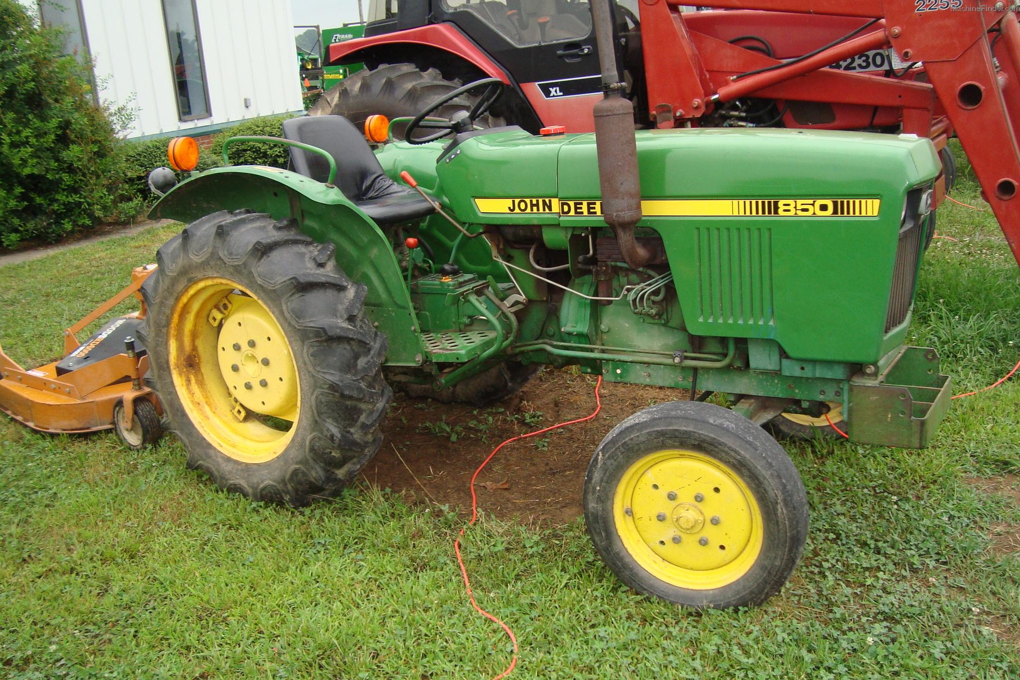 1983 John Deere 850 Tractors Compact 1 40hp John