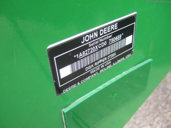 John Deere 2720