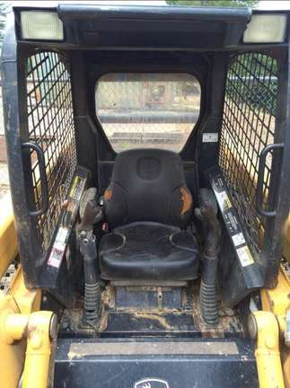 Detail photo of 2007 John Deere CT322 from Construction Equipment Guide