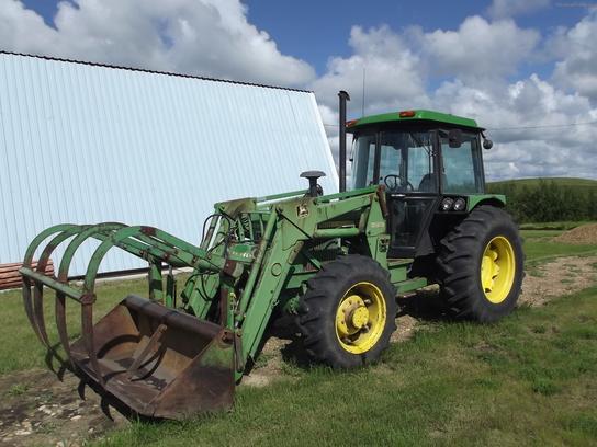 1984 John Deere 2750 Tractors - Utility (40-100hp)