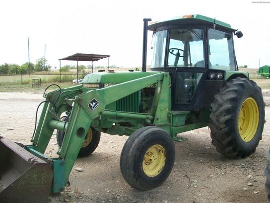 1984 John Deere 2550 Utility Tractors John Deere