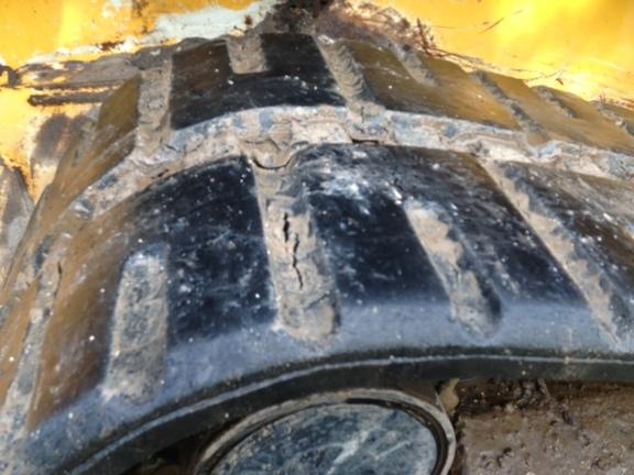 Detail photo of 2012 John Deere 329D from Construction Equipment Guide