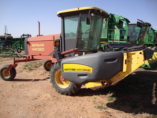 2005 New Holland HW320