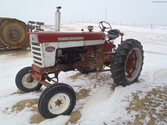 Ih 460 Utility Tractor : International tractors utility hp