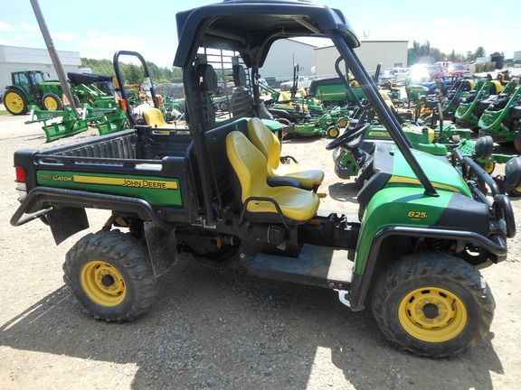 john deere xuv 825i green atvs gators tri county equipment. Black Bedroom Furniture Sets. Home Design Ideas