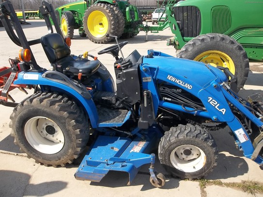 2003 New Holland TC24
