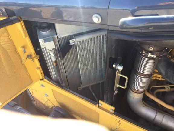 Detail photo of 2012 John Deere 850K from Construction Equipment Guide