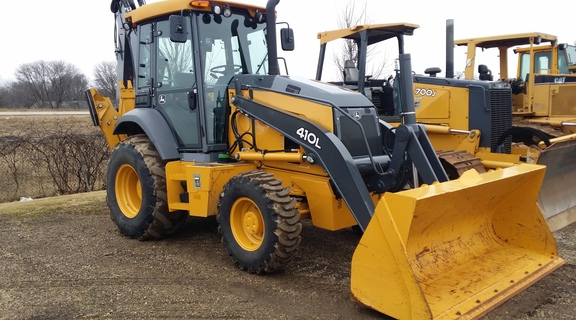 Detail photo of 2016 John Deere 410L from Construction Equipment Guide