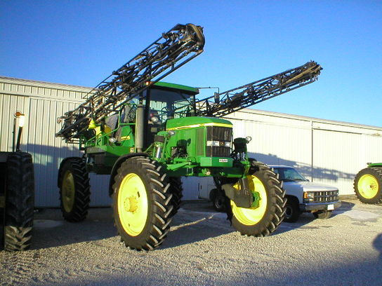 John Deere 4710 Sprayer