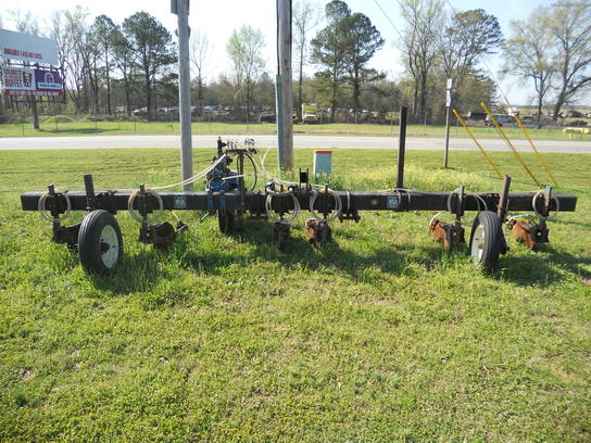 2007 Bell 6 ROW NITROGEN APPLICATOR