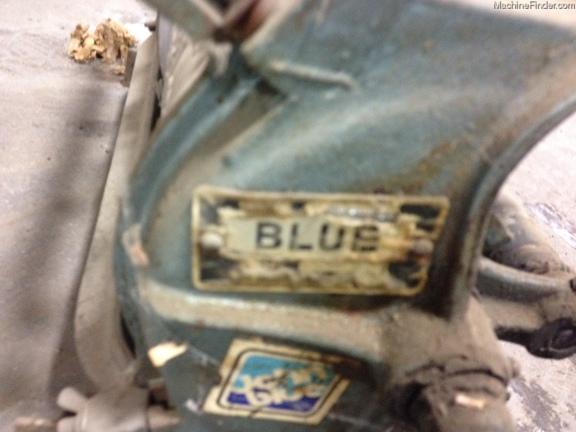 John Blue 12 Row Squeeze Pump