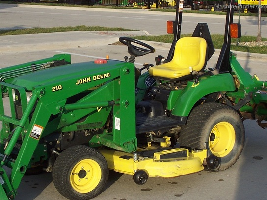 2004 John Deere 2210, turf tires, 210 Loader, 62C