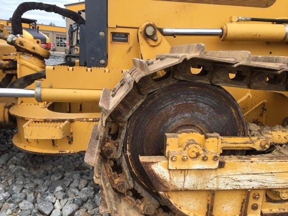 Detail photo of 2006 John Deere 550J from Construction Equipment Guide