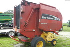 2005 New Holland br740