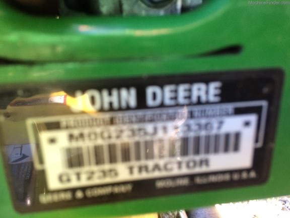 John Deere GT235