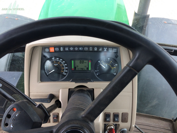 John Deere 6220
