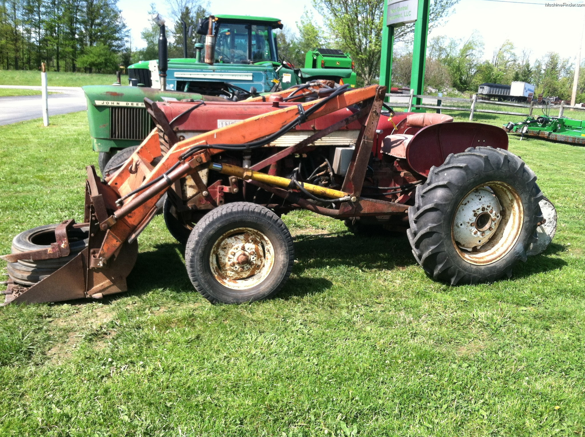 1958 International Tractor : International harvester tractors compact