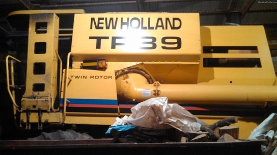 2000 New Holland TR89