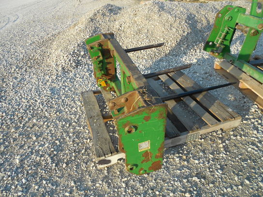 John Deere SINGLE TINE BALE SPEAR