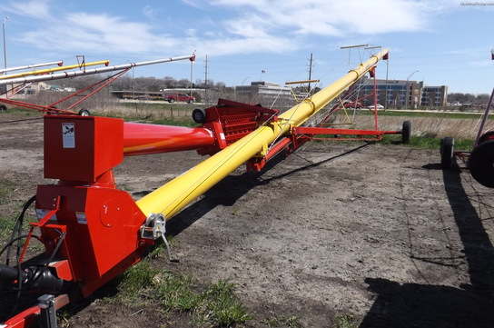 2012 Westfield 13X81 AUGER W/GEAR DR LOW PROFILE HOPPER
