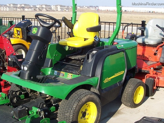 2009 John Deere 1435 4WD Front Mower with 60 inch cut