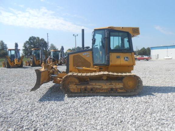 Detail photo of 2005 John Deere 650J from Construction Equipment Guide