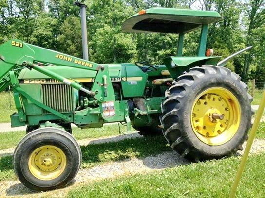 John Deere 2350 Tractors - Utility (40-100hp) - Jo