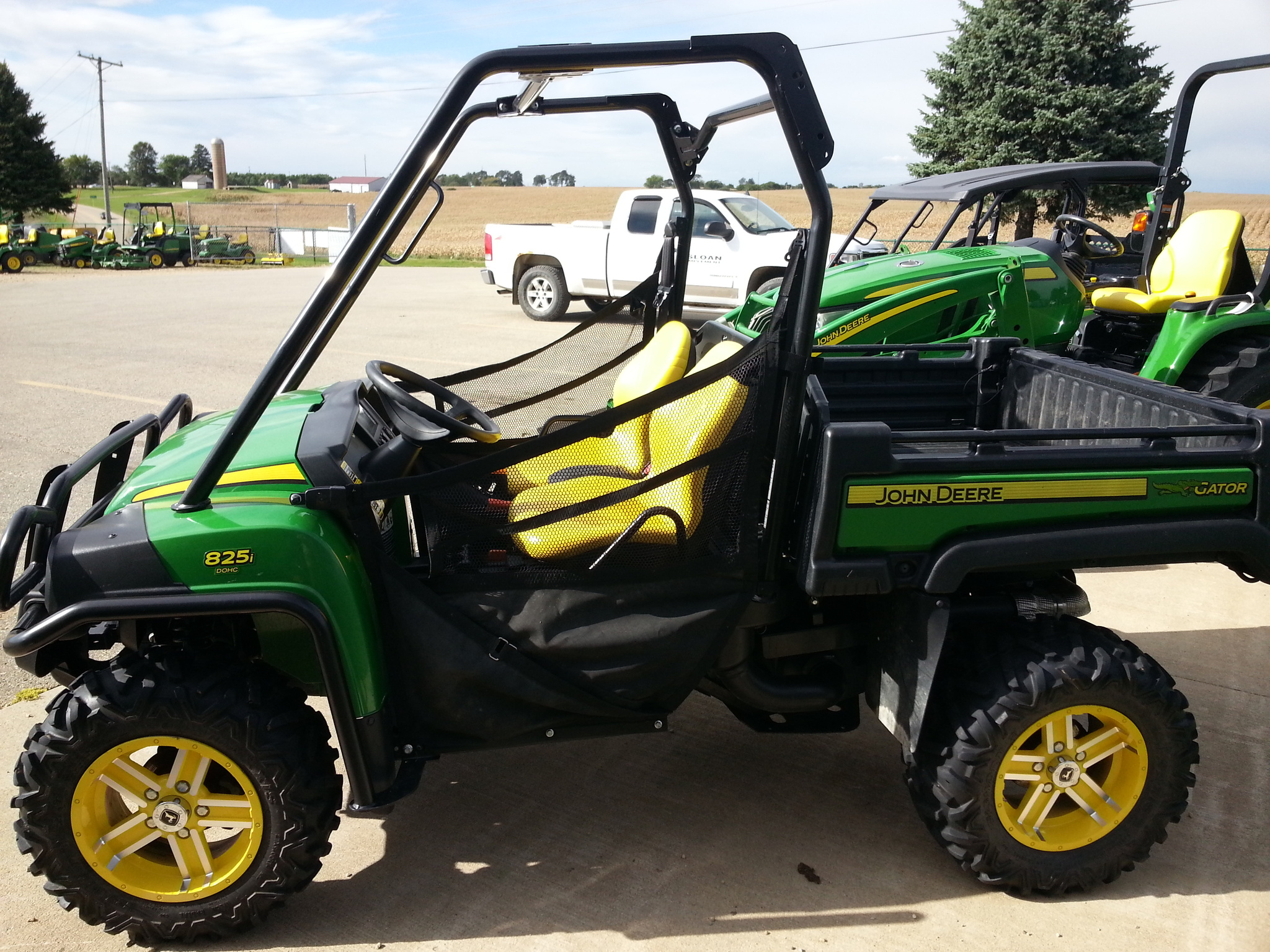 john deere xuv 825i atvs gators for sale 60613. Black Bedroom Furniture Sets. Home Design Ideas