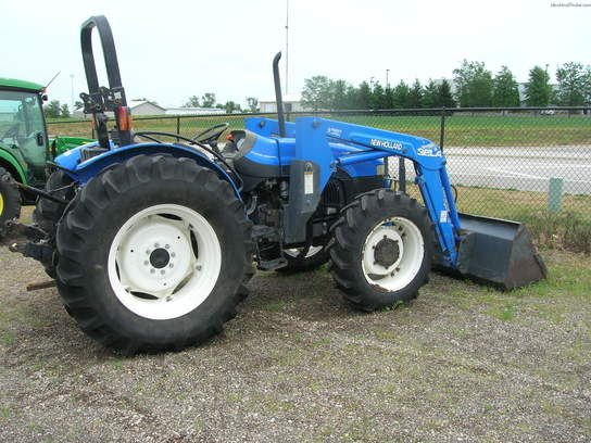 2000 New Holland TN75