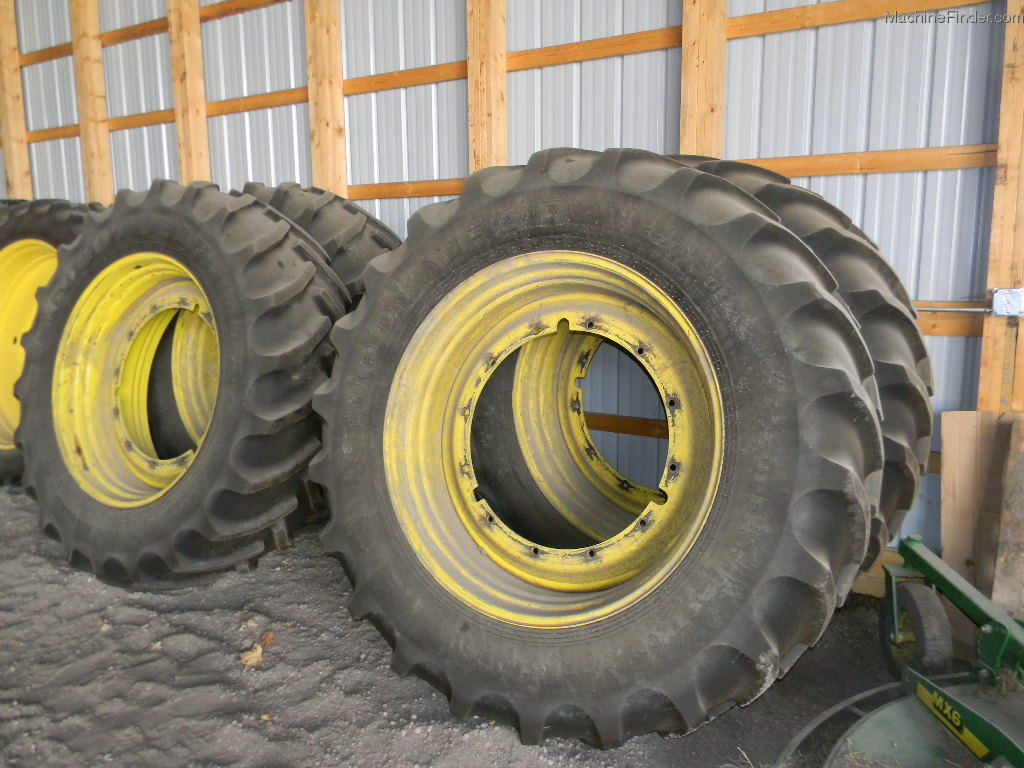 John Deere Wheels And Tires : John deere r quot floaters on rims for a jd xx