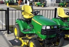 2009 John Deere X720 Special Edition, HDAP tires, 62X mower, front fenders, deluxe seat, front brushguard