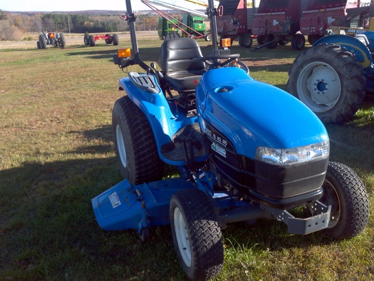 2001 New Holland TC25