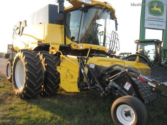 2010 New Holland CR9090