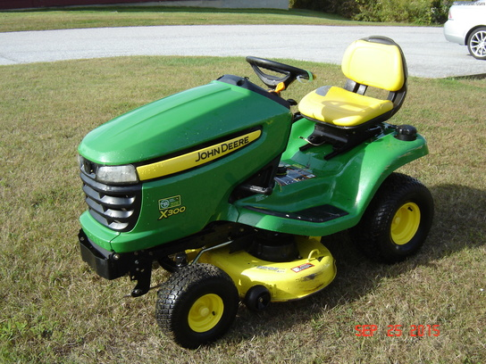 2007 john deere x300 lawn garden tractors john deere. Black Bedroom Furniture Sets. Home Design Ideas