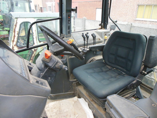 New Holland M160