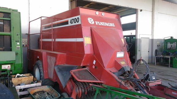 Fiatagri HESSTON 4700