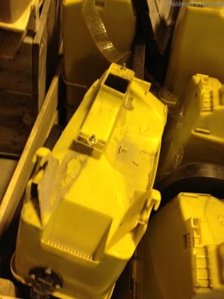 John Deere 1.6 Bu vac hoppers