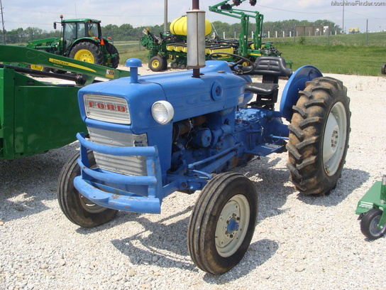 1963 Ford 2000 Tractor : Large g