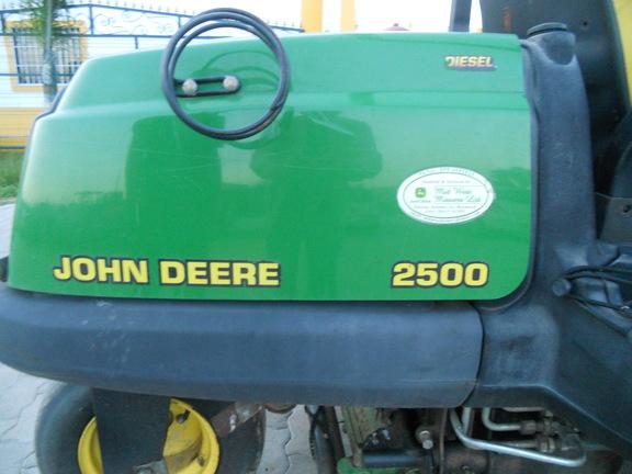 John Deere 2500